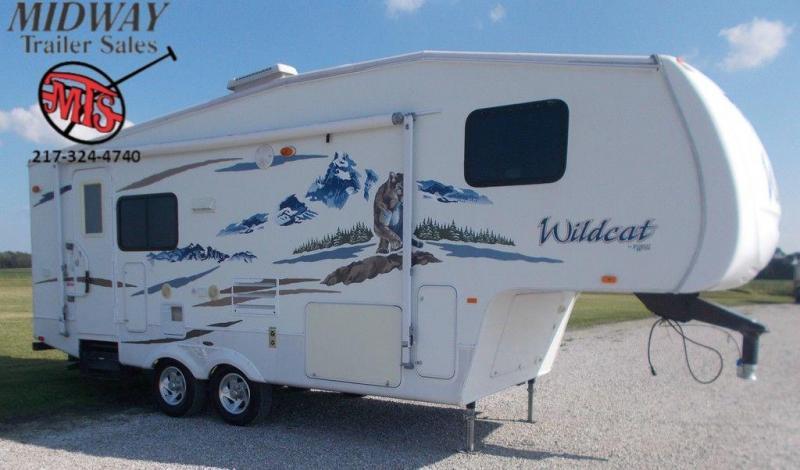 2008 Forest River Wildcat M24TL Camper w/ 8' Slide GN