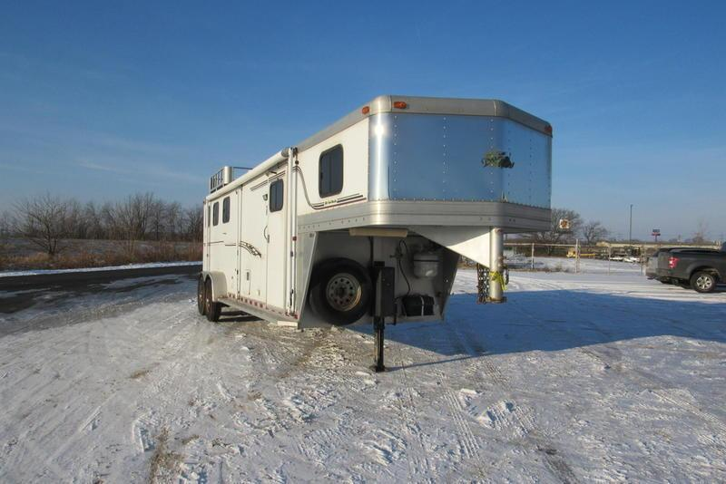 2003 Dream Coach Trailers LLC Emerald w/ 9' SW LQ Horse Trailer