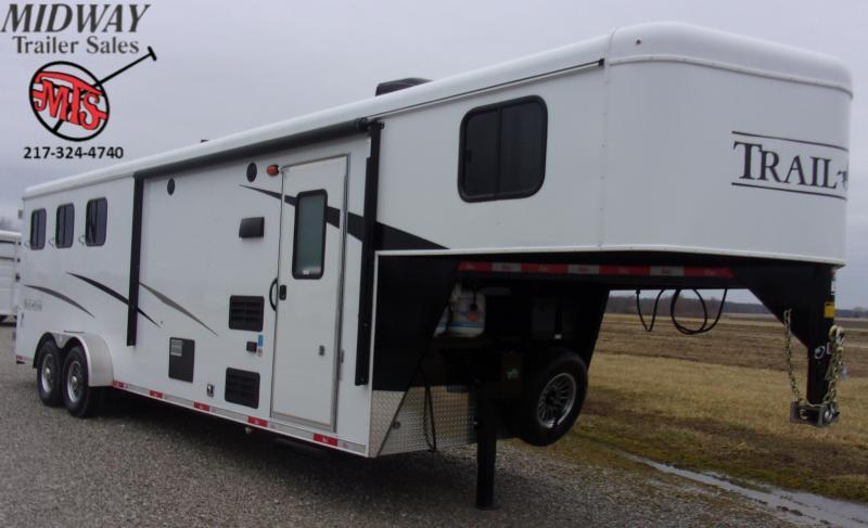 2020 Bison Trailers 7309 Trail Hand 3H w/ 9' SW LQ Horse Trailer