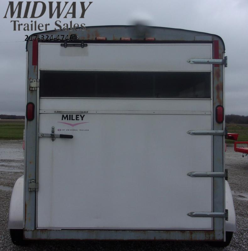 "2006 Miley Trailers 2H w/ 0"" Dress BP Horse Trailer"