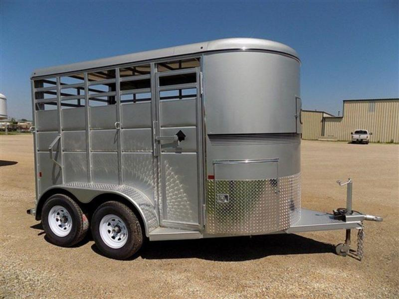 2018 S and S Dura-Line 2H Straight Load BP Horse Trailer
