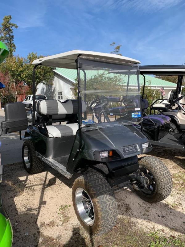 2011 E-Z-GO EZGO Golf Cart