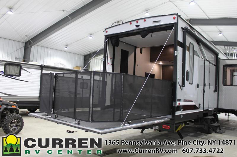 2020 Forest River Inc. CHEROKEE 325PACK13 Fifth Wheel Camper