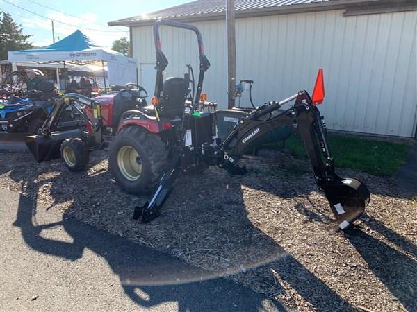 2019 YANMAR SA424BI-LB Tractor