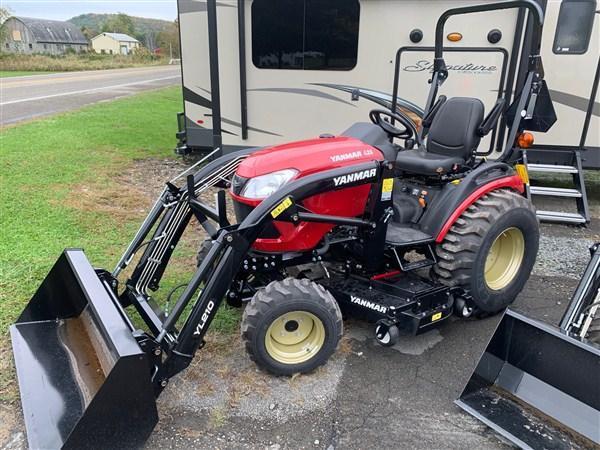 2019 YANMAR SA424BI-LD Tractor