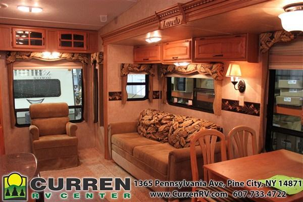 2011 Keystone RV KEYSTONE LAREDO 266RL Fifth Wheel Camper