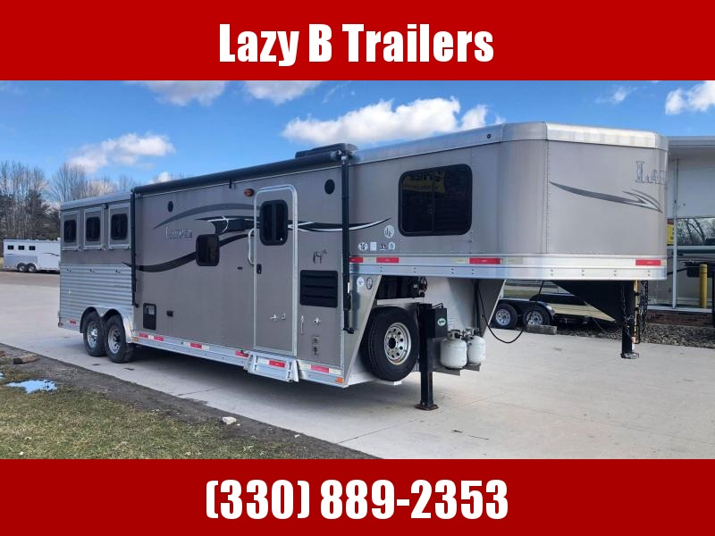 2015 Lakota CHARGER 3 HORSE LIVING QUARTERS Horse Trailer