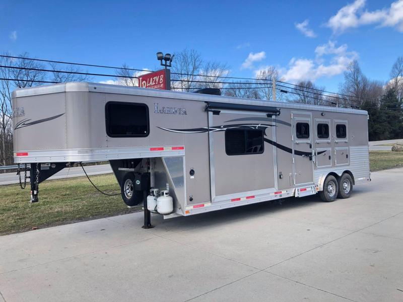 2015 Lakota CHARGER 3 HORSE LIVING QUARTERS Horse Trailer